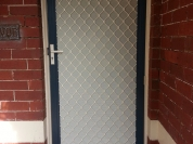 Single-Diamond-grille-and-privacy-mesh
